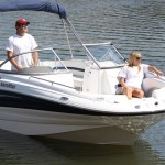 Deck Boat Vs Pontoon - What Are the Differences?
